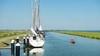 Ton Bakker kon opeens staan in de haven. ,,Het was maar 1,50 diep.'' Verzandt de haven van Schardam door het Hoornse stadsstrand?