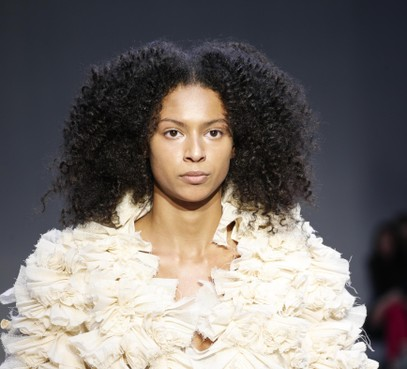 Ontwerper Tim Dekkers geeft show tijdens Dutch Sustainable Fashion Week