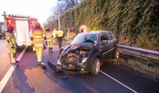 Vrouw gewond na botsing op A1 bij Laren, ook andere ongelukken door gladheid [video]
