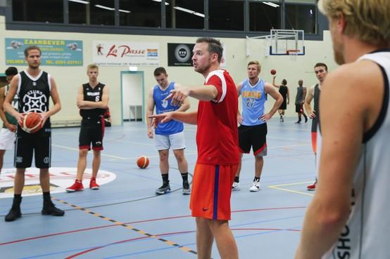 Nieuwe coach Stefan Toepoel (ex-Akrides) gaat 'small ball' spelen met basketballers van Racing Beverwijk