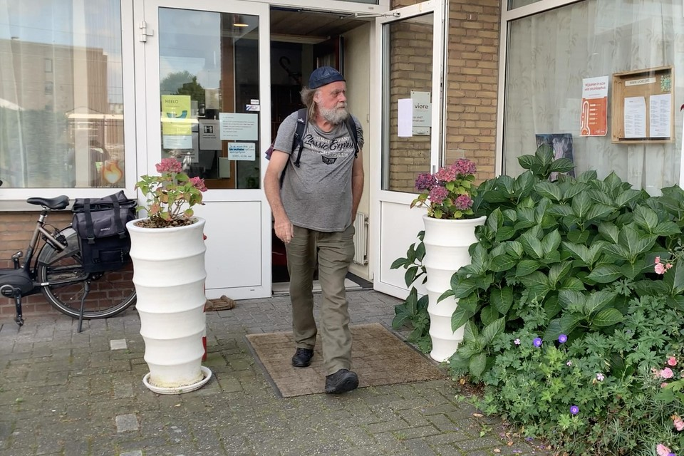 Henny Wijnand legt zaterdag 25 september 38 kilomter af tussen Amsterdam en Hilversum om geld voor Viore in te zamelen.