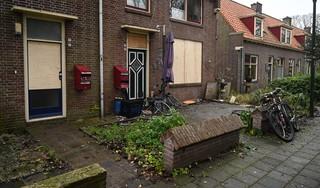 'Als er iemand achter de voordeur had gestaan, was die dood geweest'. Vuurwerkbom Enkhuizen: vier ruiten vernield, bewoners in de stress