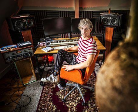 Lesse uit Alkmaar naar COC Songfestival: 'Nu durf ik wel: hier ben ik!' [video]