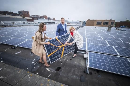 'Zonnepark op dak Middenwaard verdient zichzelf binnen negen jaar terug'