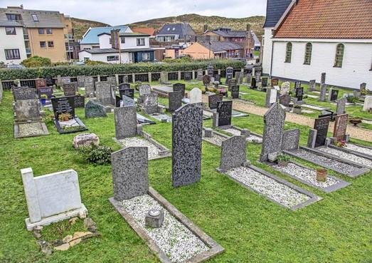Meer strooivelden bij kerken in Schagen, want aantal begrafenissen daalt in tien jaar tijd met bijna de helft