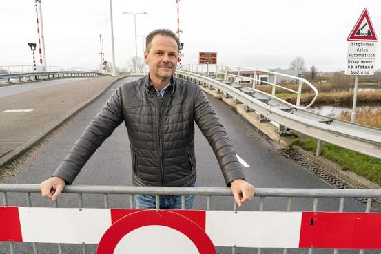 Pand lang onbereikbaar door brand in Alkmaar-Beverkoog: 'Bloody shame', zegt ondernemer Leon Heynis