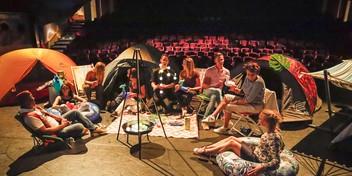 Podium van Het Park is even een camping