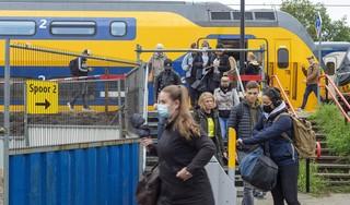 Spooroverstekers blijven probleem op Alkmaar Noord; ProRail onderzoekt plaatsing scherm tussen spoorrails