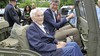 Ada Peters (95) op eervolle plek naast burgemeester in historische Nekaf-jeep; bijzondere Veteranendag in gemeente Castricum