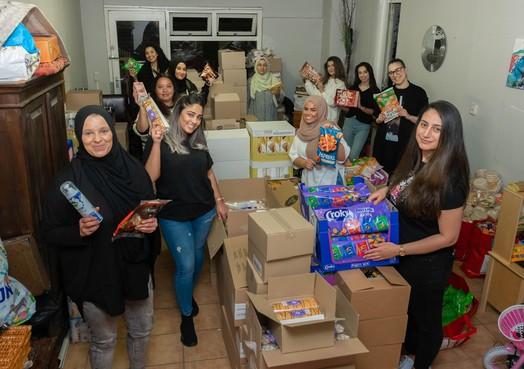 Moeders voorraadkast is voor iedereen open - Ramadanactie vanuit Poelenburg voor wie het niet zo breed heeft