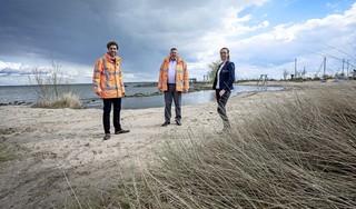 'Klein Zandvoort' in Uitdam; Europarcs en Alliantie Markermeerdijken compenseren gesneuveld zandstrandje