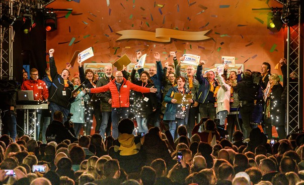 Geldbom barst boven juichende geluksvogels in Berkhout