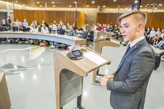 Heerhugowaardse jeugdraad heeft antwoord op eenzaamheidsmotie: 'wordt vervolgd'