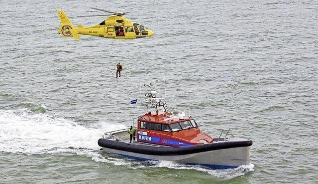 Piloten van de reddingshelikopter in Den Helder krijgen meer salaris, acties voorlopig van de baan