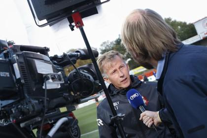 Andries Jonker respecteert minister De Jonge: 'Je eigen supporters laten juichen is het mooiste wat er is maar we moeten niet krampachtig doen over spelen zonder publiek'