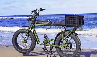 Bijzondere elektrische fiets gestolen in Schagen. Maar de politie is alert. Een dag later kan de zoon van Angeliene weer cruisen op zijn stoere Amerikaanse bike