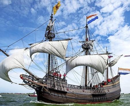 VOC-Schip Halve Maen gaat Hoorn verlaten