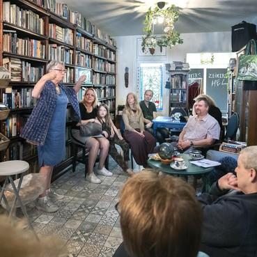 Nieuwe winkel voor De Groene Godin: van stille Haarlemse straat naar drukke Kruisweg