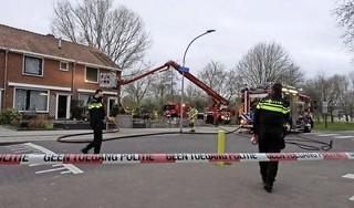 Burenruzie ontvlamt in Volendam; slachtoffers uit brandend huis gered door omwonenden