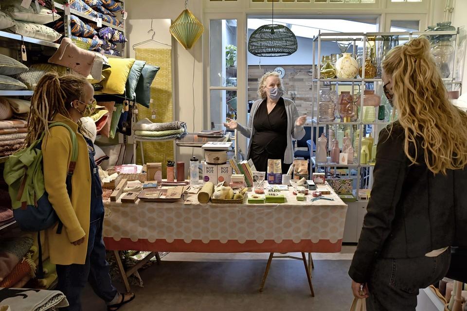 Agnes Clevers koopt voor haar conceptstore alles in 'op gevoel'.