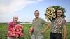 Ook bloemkoolkwekers en tulpentelers zien geld in kleurige bloem: steeds meer pioenrozen in West-Friesland