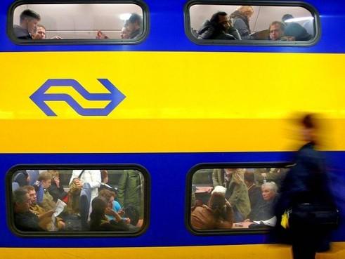 Defecte trein bij Hillegom hinder treinverkeer tussen Haarlem en Leiden