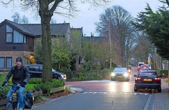 Onderzoek: Verkeerssituatie in Sint Pancras is 'problematisch'. De wethouder wil in gesprek met bewoners en belanghebbenden
