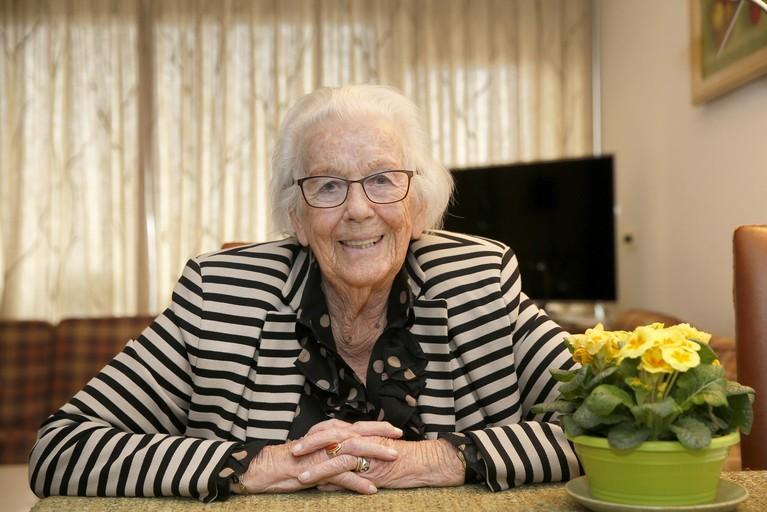 Bets van Balen Blanken (95) koestert haar bevrijdingsrok. 'Ik heb 'm één keer gedragen, bij een optocht'