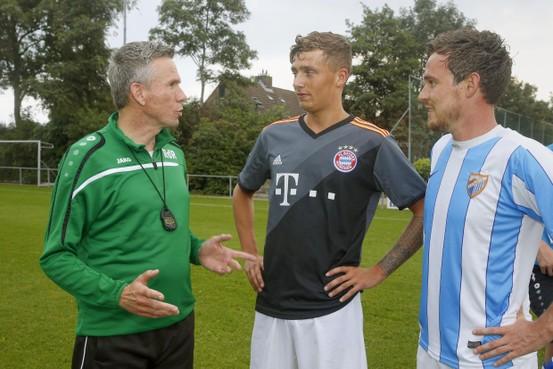 Trainers Ronald de Rooij (Hollandia T), Marco Kuut (Geel Zwart) en Marcel Ris (Texel '94) nu al in de aanbieding