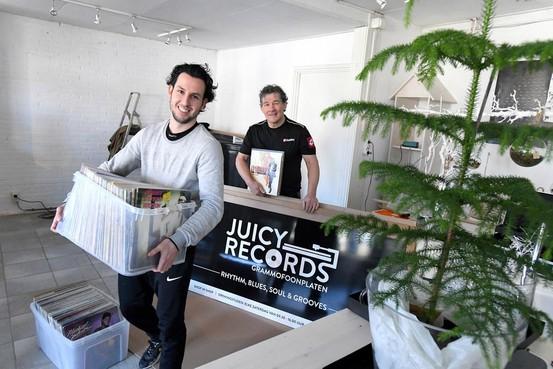 Een platenzaak in Julianadorp? 'Ja, want vinyl is weer helemaal hip' [video]