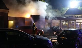 Woningen in Hoorn ontruimd vanwege grote brand in bakkerij