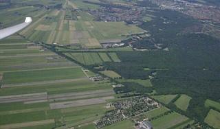 Hilversum springt in de bres voor vliegveld. Inperking luchtvaart door groen(er) licht provincie voor woningbouw Ter Sype