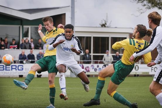 Zonder inzet geen punten voor FC Uitgeest; AFC'34 te sterk op sportpark De Koog