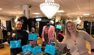 Ondernemers steunen horeca, politiek steunt ondernemers in coronatijd: goodiebags voor eetcafé De Buren ook leuk voor mensen in de zorg