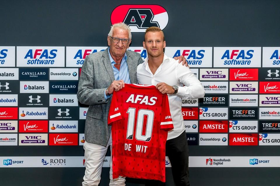 Dani de Wit met opa Sietse: 'Hij kon bij Ajax blijven en klagen dat hij pijn aan zijn kont had van het zitten, of naar AZ gaan en klagen dat hij pijn heeft aan zijn poten van het vele spelen.'