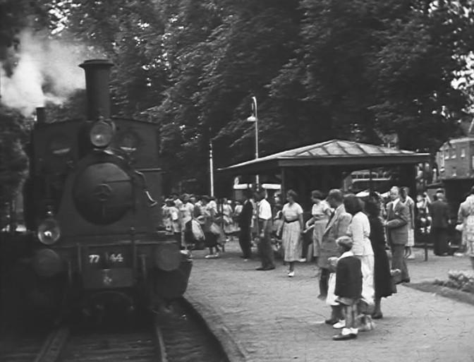 Bewegend Verleden: Met trammetje Bello naar Bergen aan Zee [video]