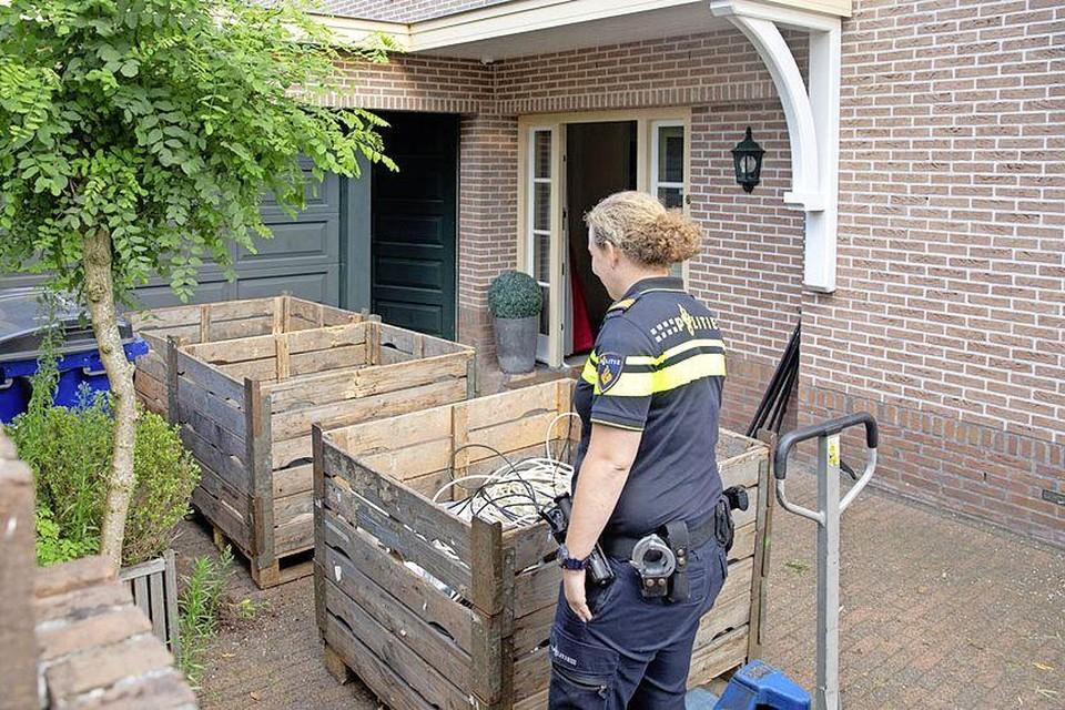 Politie Midden-Nederland rolde een wietplantage met duizend planten op.