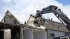 Door brand getroffen woningen in Zwaag worden (deels) gesloopt. 'Ik hoop dat ze het opbouwen na de bouwvak snel oppakken' [video]