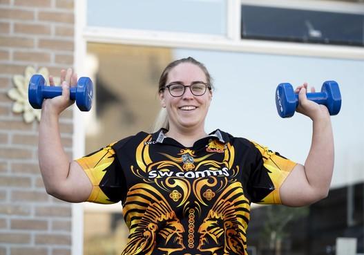 Rugbyster Daphne Friemann vindt het lastig om in haar eentje actief te blijven: 'Alvast begonnen aan de voorjaarsschoonmaak'