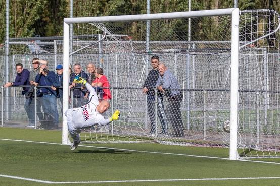 Eigen ambitie én die van Hollandia drijven doelman Joey Wiese naar het Julianapark: 'Doel is promoveren'