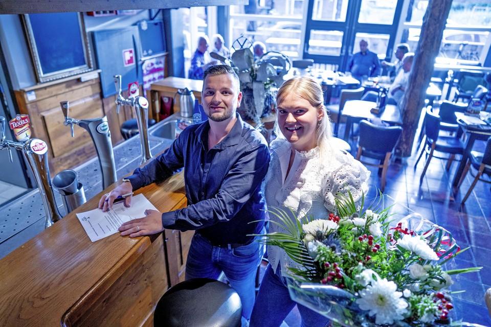 Luke en Esmee Verweij in het pand waar Luke zijn droom als horeca-ondernemer gaat verwezenlijken.