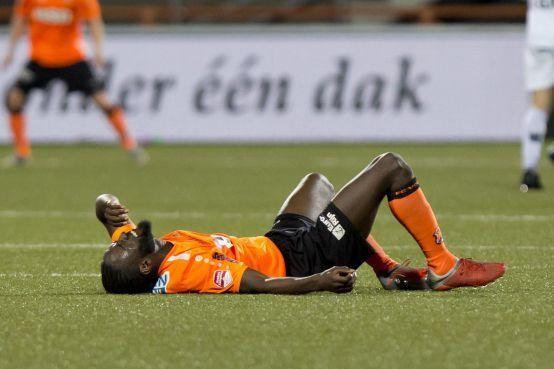 Toch applaus in plaats van hoon voor dramatisch gestarte voetballers FC Volendam [video]