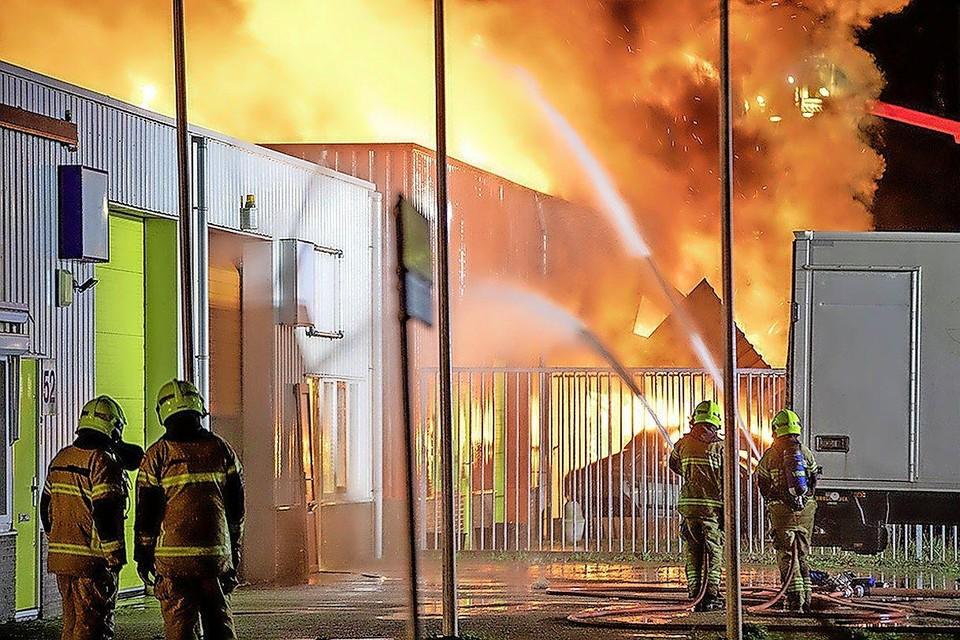 De gigantische brand aan de Hazenkoog in Alkmaar.
