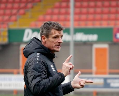 Wim Jonk 'is nog niet klaar' bij FC Volendam en verlengt zijn contract met een jaar