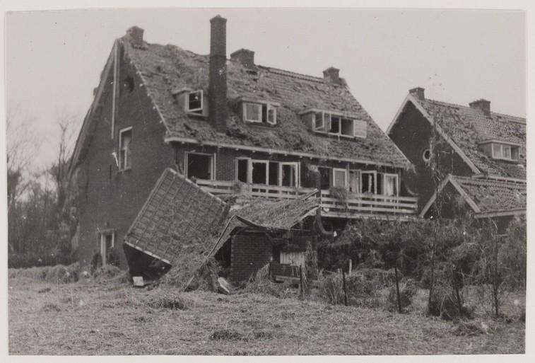 Nic Brussee: 'De Duitse soldaat richtte op mij en haalde de trekker over. Juist op dat moment sloeg de andere soldaat de loop omhoog' [video]