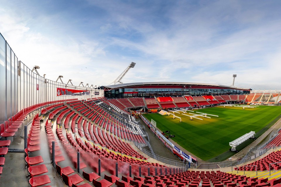 Lege tribunes maar de kans groeit dat dit bij de wedstrijd tegen Ajax volgende week zondag niet zo hoeft te zijn.