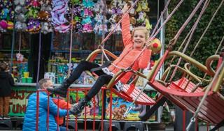 Kermisgangers in Avenhorn niet bang voor corona: 'We willen onze kinderen toch kermis laten beleven'