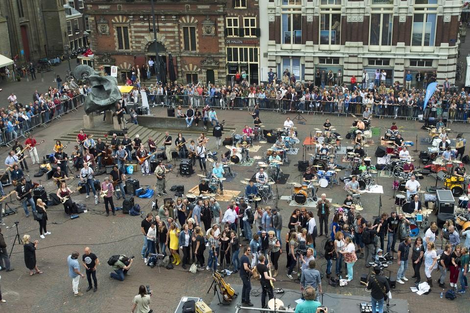 De Grootste band van Nederland in 2016 op de Grote Markt.