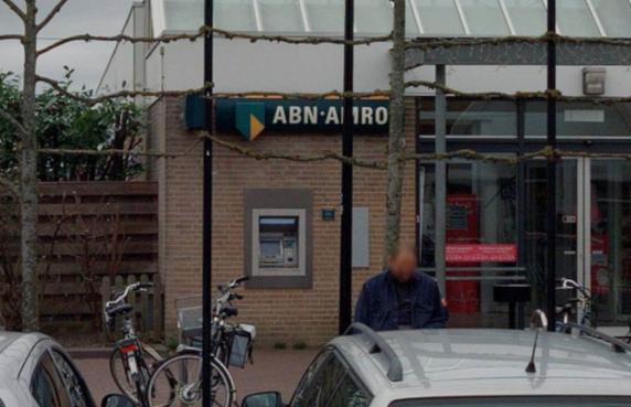 Geen geldautomaten meer over voor inwoners van Andijk, door het verdwijnen van de automaten van bank ABN-AMRO