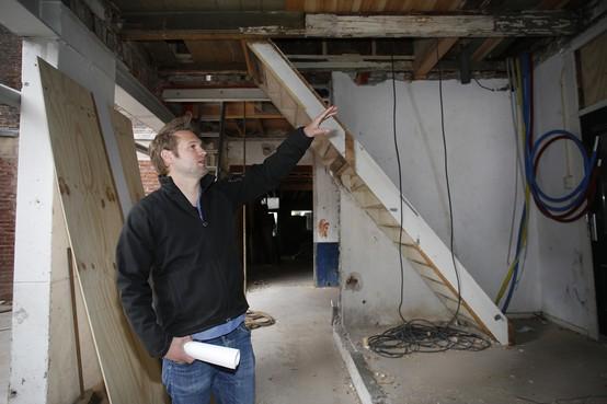 Er moet nog een heleboel gebeuren, maar restauratie van de 'Ruitenbeekpandjes' in binnenstad van Weesp nadert voltooiing